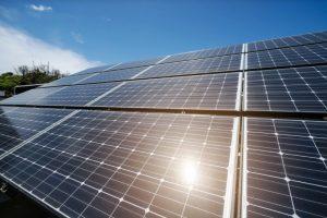 太陽能風雨球場兼顧綠能與運動